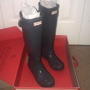 8b12f855a1c Women s Hunter Boots Graphite on Poshmark
